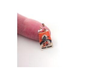 Miniature halloween candies: Dollhouse miniatures 1/12 Scale halloween kiss