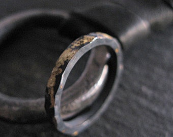 Mens Wedding Band Black Gold Ring Mens Wedding Ring Rustic Mens Wedding Rings Man Wedding Ring Viking Wedding Ring Unique Mens Wedding Band