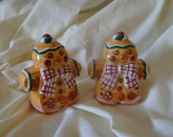 SALT AND Pepper Shaker Set ~  Gingerbread Man!,  Jay Imports
