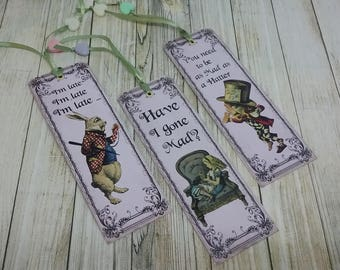 Set of 3 bookmarks theme Alice in Wonderland country
