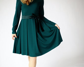 Green dress long sleeve, dresses for women, fit and flare dress, office dress, casual dress, elegant dress, green midi dress, dark green