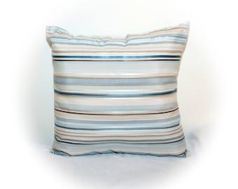 Throw pillow, 17 x 17 accent pillow