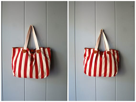 Vintage Fabric Tote Bag White Red Striped Beach Bag Suitcase Vintage Overnight Bag 90s Carry On Duffel Duffle Shoulder Bag Weekender Tote