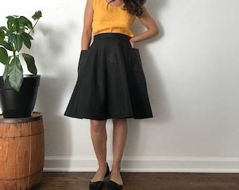 Vintage 1960s full skirt || black taffeta crip skirt || mad men look || womens small vintage || 60s black taffeta skirt with pockets