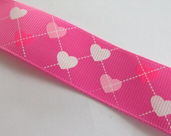 Pretty Ribbon pink hearts print