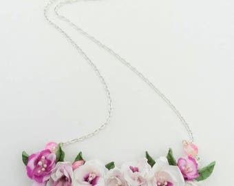Romantique flowery necklace - made from polymer clay