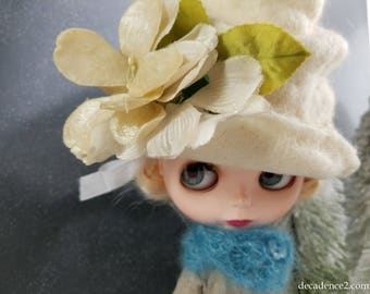 Creamy White Felted Wool Hat for Blythe Dolls- Winter White, Handfelted, Wool Hat