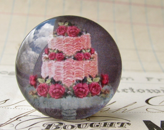 Pink Cake with roses, handmade glass cabochon, round 25mm cabochon, 1 inch circle, Bountiful Bakery collection, bottle cap, bottle cap size