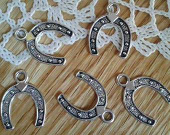 Horseshoe Silver Tone One Sided Good Luck Lucky Cowboy Charm Pendant x 5