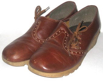 Leather Oxford Shoes- BROWN LEATHER Shoes- Vintage Womens Shoe- Naturalizer- Lace Up Shoe- Wedge Heel Shoe- Size 7.5- Womens Loafers