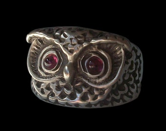 Owl ring - Sterling Silver Owl ring with garnet - All Sizes
