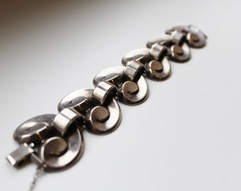 Authentic vintage Monet vintage silver linked bracelet
