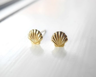 Nautical Earring Studs, Tiny Sea Shell Stud Earrings, Sea Shell Nautical Jewelry, Gold Brass Studs, Hypoallergenic Sterling Silver Earrings