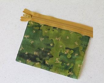 frog zipper pouchchange purse, mini earbud pouch, business card id holder, coin purse, cosmetic chapstick, boy man bag, kids wallet green