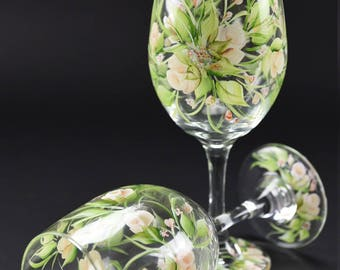 Hand Painted Large Wine Glass / Soft Creamy White Rosebuds