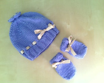 Hand made lilac hat and mittens decorated with ivory satin ribbon-complete newborn wool-romantic style