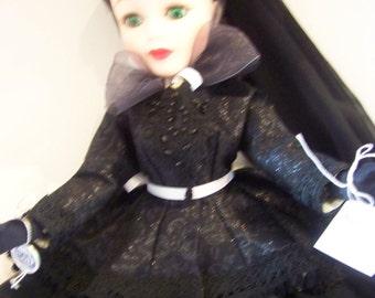 Scarlet    Black Mourning Scarlet O'Hara MINT