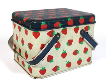 Vintage Strawberry Tin - Potpourri Press