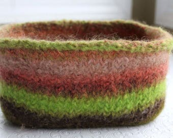 Coral and Kiwi Green Knit Felted Storage Basket, Wool Felt Rectangle Basket , Wool Felt Storage Basket, Felt Storage Bowl in Brown, Coral