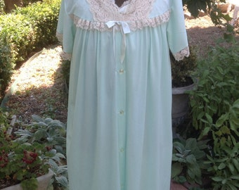 1960s Peignoir / Waltz NightGown by Philmaid / Vintage Peignoir / Vintage Nightgown
