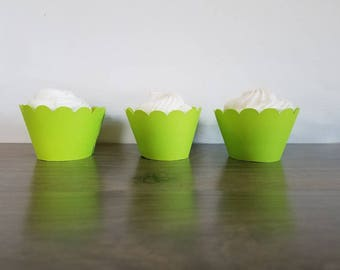 12 neon hot green scallop cupcake wrappers Minecraft green, grass