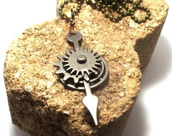 Steampunk Style Fidget Spinner Cogs Gears and Wheels Pendant Necklace in Antique Silver
