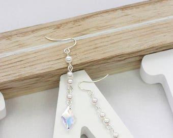 White pearl earrings | Swarovski crystal earrings | Clear crystal earrings | Swarovski bridal earrings | Elegant pearl earrings