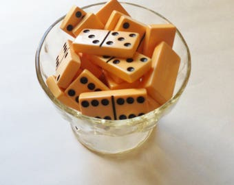 Butterscotch Dominoes Pieces, 26 Catalin Bakelite Dominoes