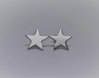 Small star Studs in silver