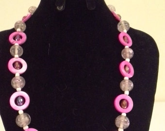 Pink Accent Bead Necklace