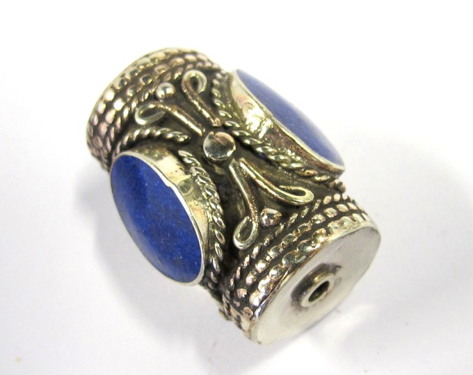 1 Bead -  Large ethnic tibetan silver bead with 3 sided Lapis inlay from Nepal - BD829