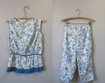 1950s floral peplum top and pedal pusher pant set | 50's mid century play suit set