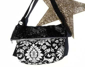 Hand bag / fabric / faux leather / cross body / black/white.