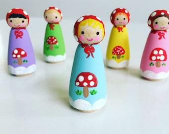 Woodland Peg Dolls/ Set of 5/ Wooden Doll Play Set