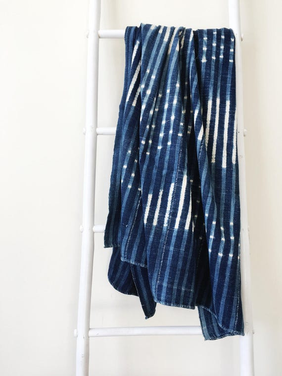 Faint Stripe Diamond Pattern Throw