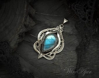 Wire wrapped silver pendant anniversary gift for girlfriend Mother's Day gift for women elven art nouveau necklace labradorite pendant