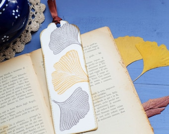 Pack of 5 handprinted bookmarks with gingko leaves