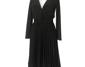 1940's Vintage Black Crepe Dress with Permanent Pleated Skirt Soft Collar Knee Length Long Sleeve