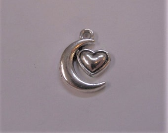 17mm. Moon with Heart Silver Toned Charms, 5CT. Y40