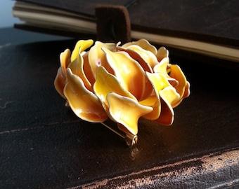 vintage chrysanthemum flower brooch pin