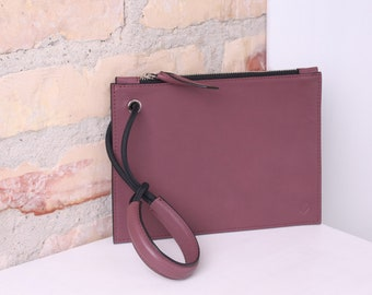 MENG brownrose leather wristlet with black edgepaint