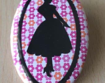 badge / brooch vintage silhouette fashion 18