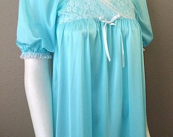 Vintage Sleepwear Women's 60's Le Voy's, Nightgown, Turquoise, Lace, Full Length (M)