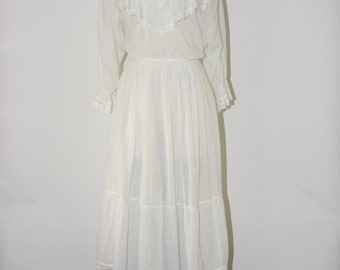 70s white cotton gauze dress / ruffled cotton bohemian dress / crochet trim boho dress