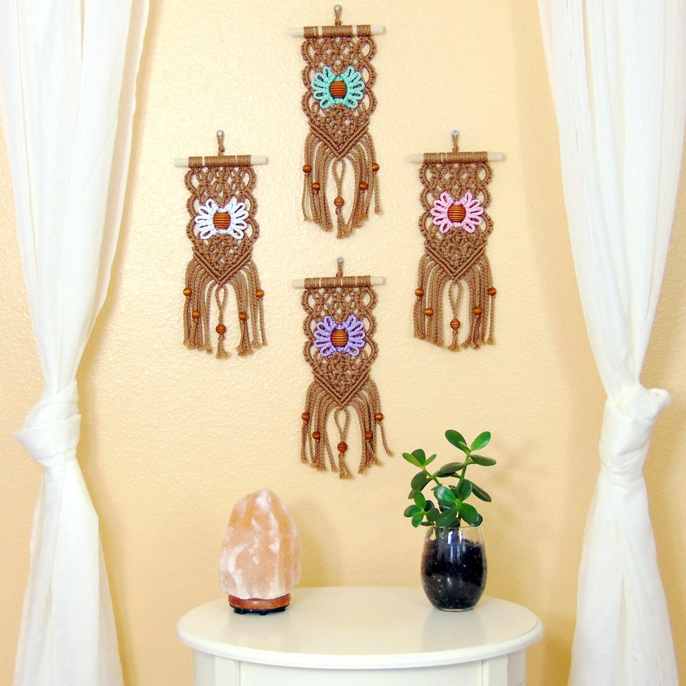 Small Macrame Wall Hanging Boho Apartment Décor Housewarming