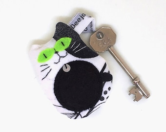 Black and White Cat Keyring, Handcrafted Cat Keychain, Small Fabric Cat Bag Charm, Cat in Gift Box, Cat with Green Eyes, Cat Lovers Gift