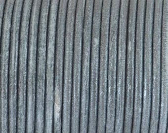String / cord of round leather of superior quality - 2.3 mm diameter - metallic dark silver - by 50 cm