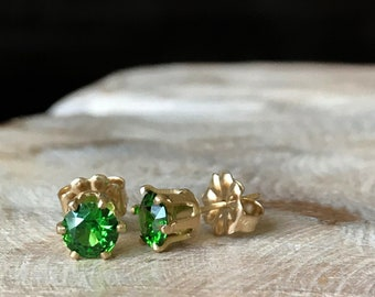 CZ Earrings, CZ Stud Earrings, Emerald Green CZ Stud Earrings Gold or Silver, Emerald Green Stud Earrings, Emerald Birthstone May Birthstone