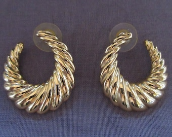 Pair of Vintage Ribbed Crescent Earrings