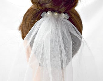 White Pearl Flower Bridal Veil